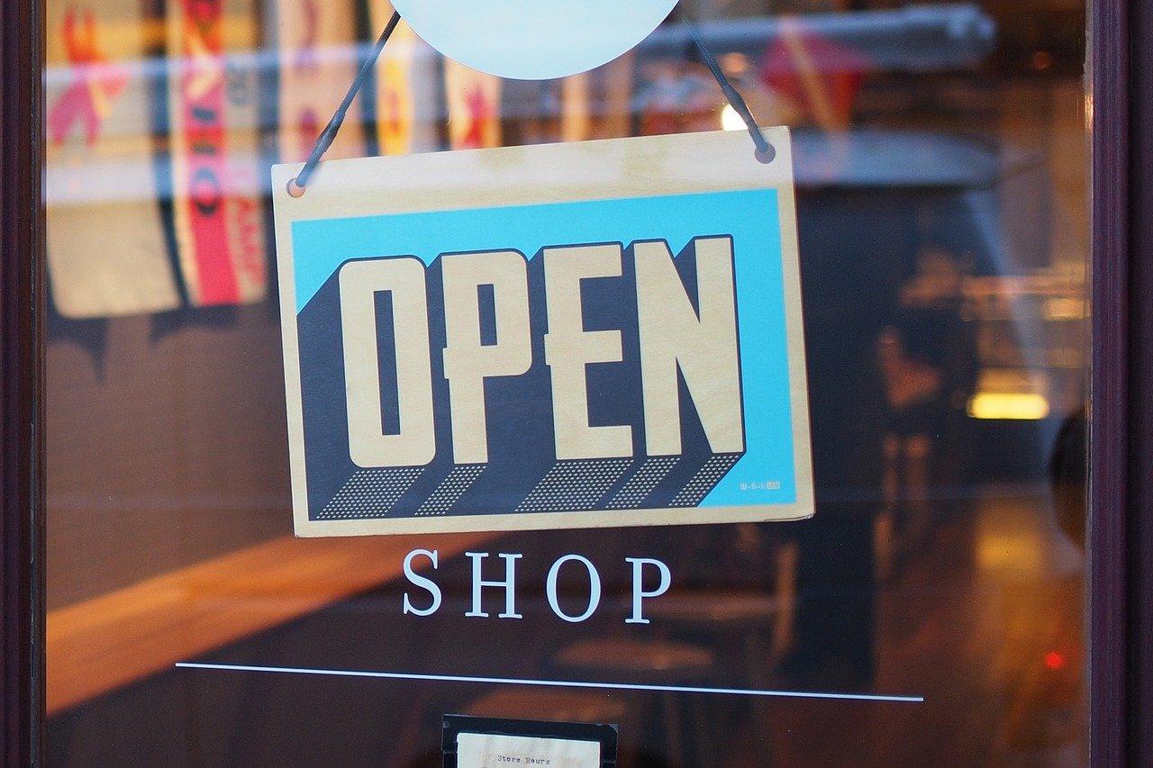 Kuvituskuva, myymälän ovi